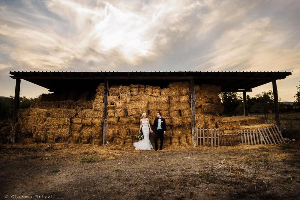 Foto degli sposi in campagna Matrimonio ad Alghero