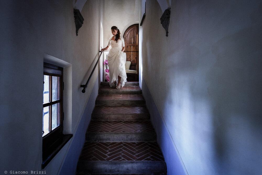 La sposa scende le scale Matrimonio a Sarzana