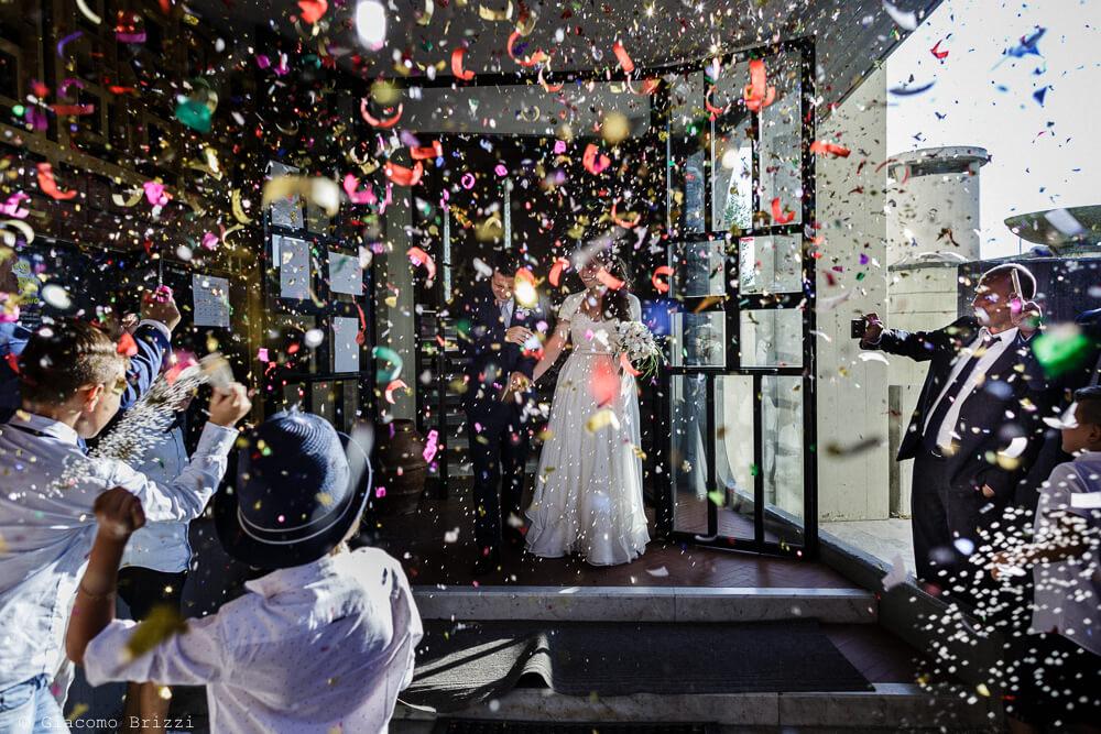L'uscita dalla chiesa Matrimonio a Sarzana