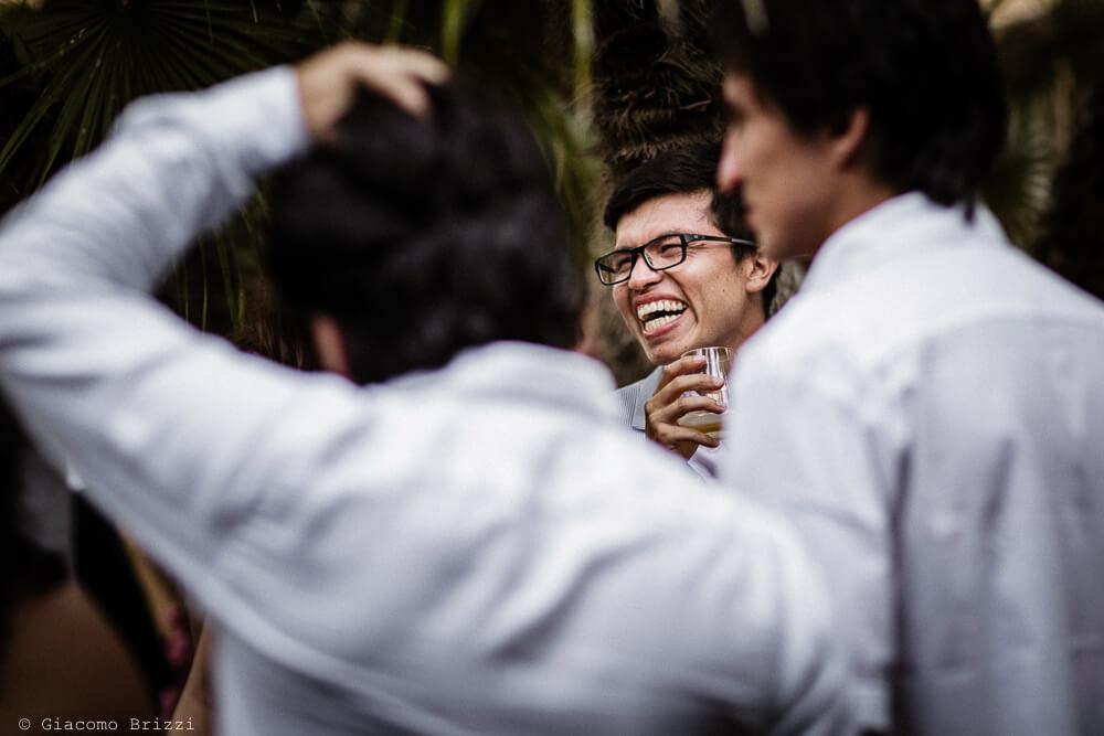 Ospiti che ridono Matrimonio a Sarzana