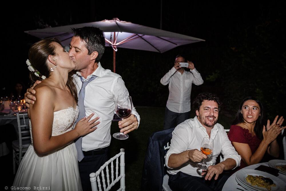 Un bacio degli sposi Matrimonio a Sarzana