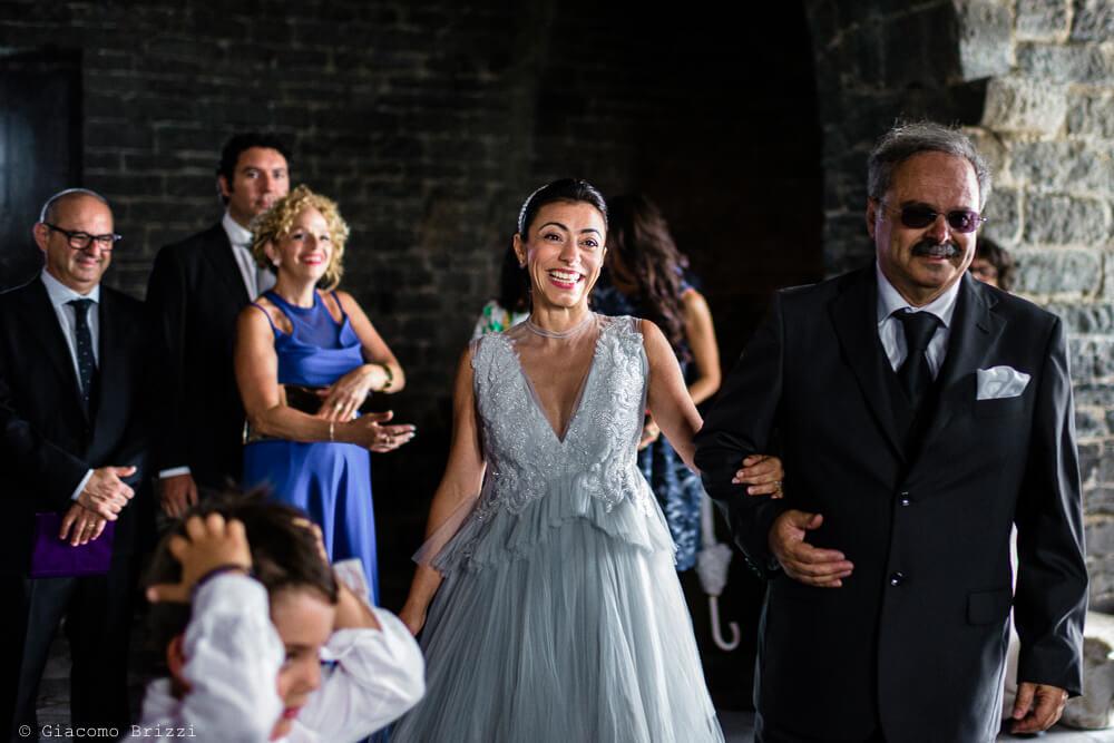 Arrivo della sposa in chiesa al Matrimonio a Portovenere