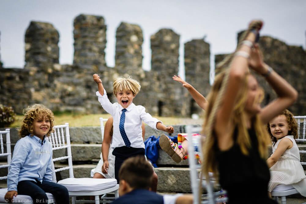 Bambino si diverte al Matrimonio a Portovenere