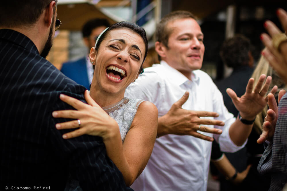 La sposa balla al ricevimento del Matrimonio a Portovenere