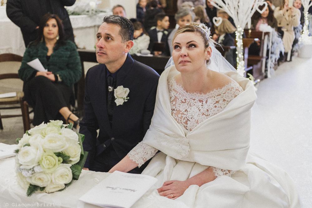 Lo sguardi intensi dei due sposi matrimonio massa carrara