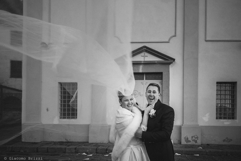 Scatto agli sposi fuori la matrimonio massa carrara