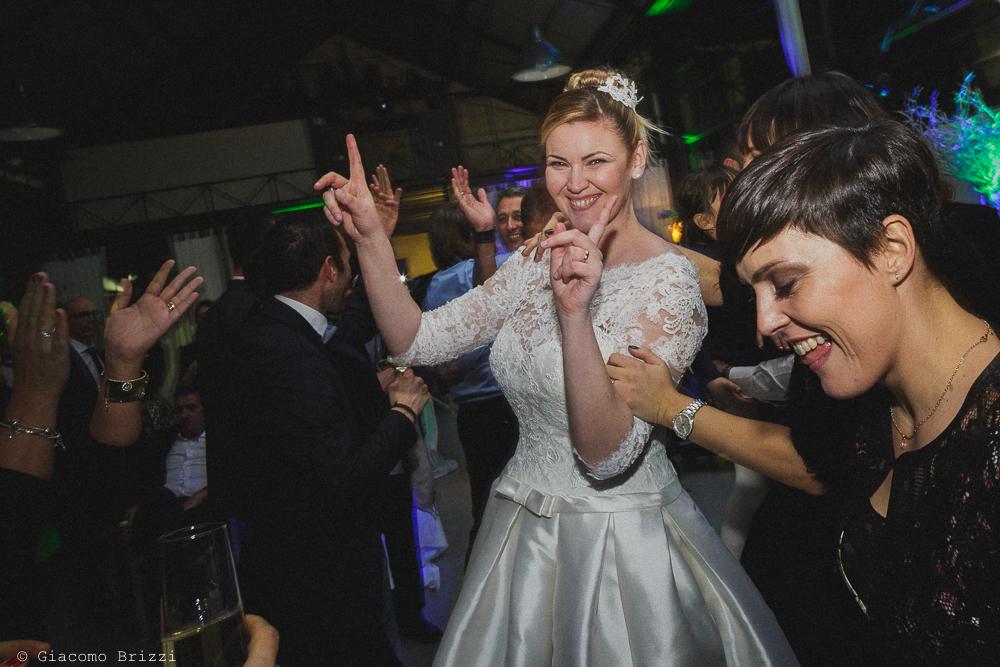 La sposa balla al matrimonio massa carrara