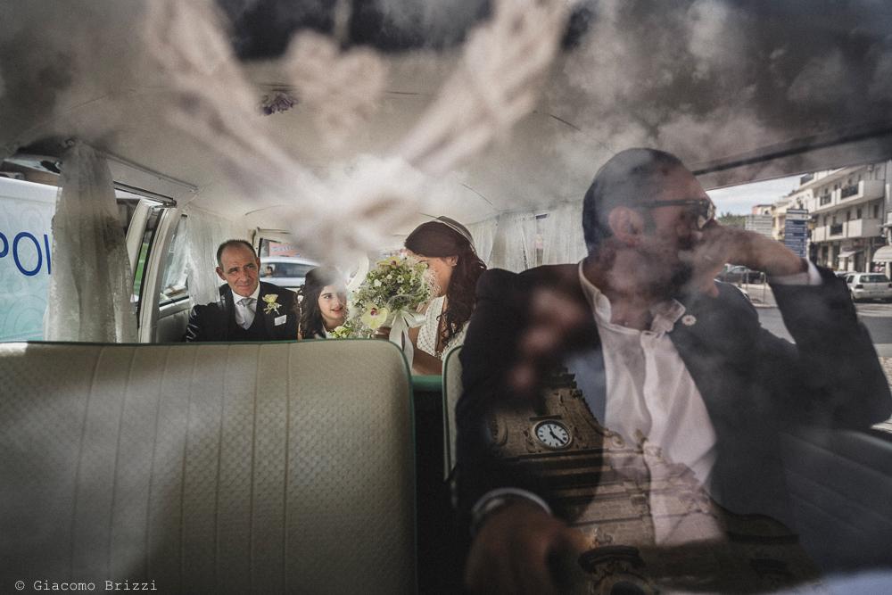 La sposa è arrivata in auto, fotografo matrimonio francavilla fontana, puglia