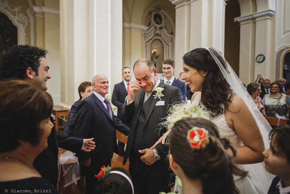 La sposa ha raggiunto lo sposo all'altare, fotografo matrimonio francavilla fontana, puglia