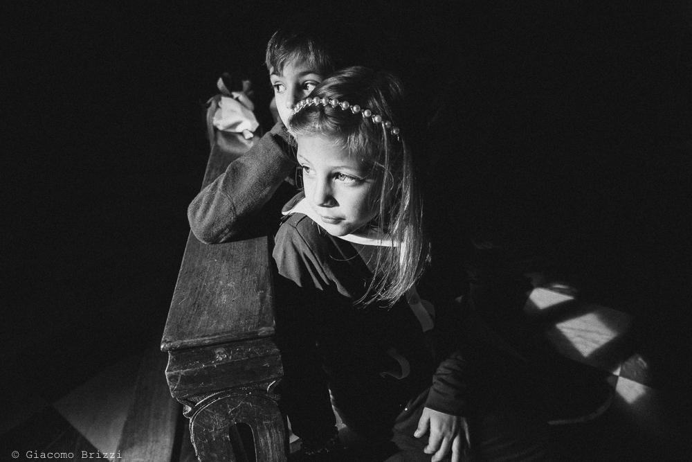 Foto a due piccoli invitati, fotografo matrimonio rapallo, liguria