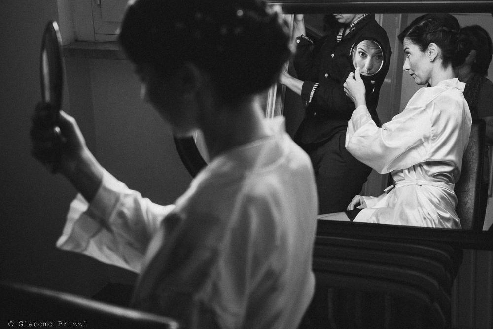La sposa si sta preparando, fotografo matrimonio rapallo, liguria