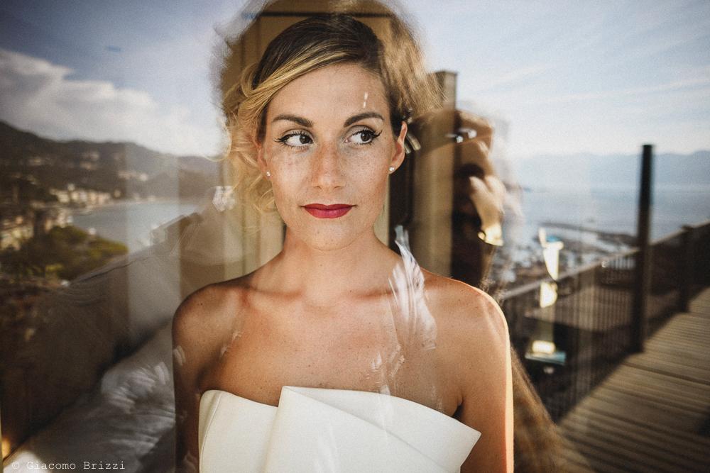 Primo piano della sposa, fotografo matrimonio ricevimento castello di lerici