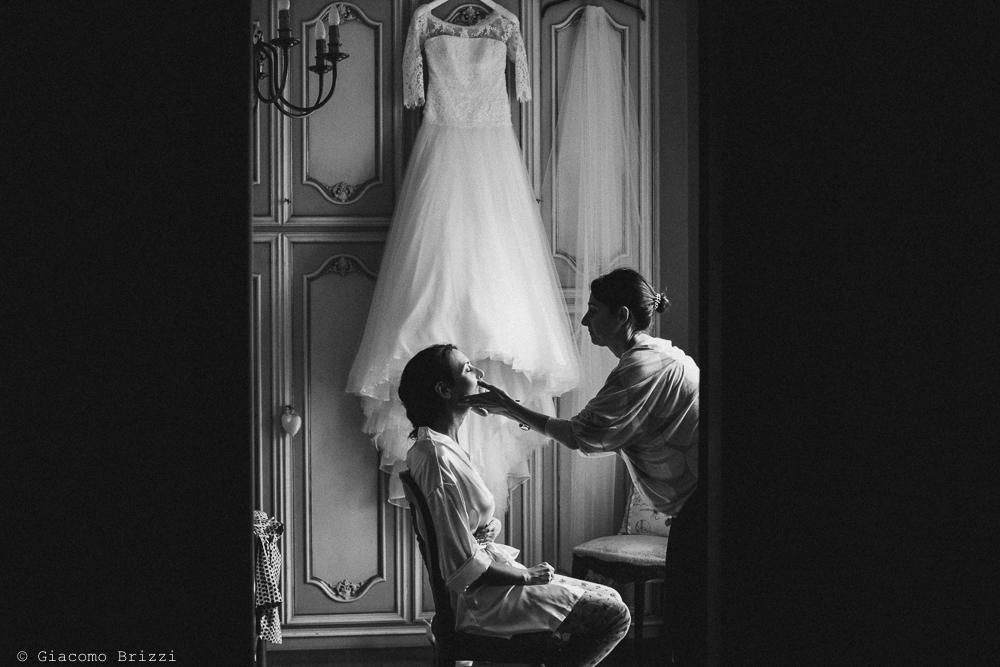 La sposa al trucco, fotografo matrimonio ricevimento hotel europa, lerici