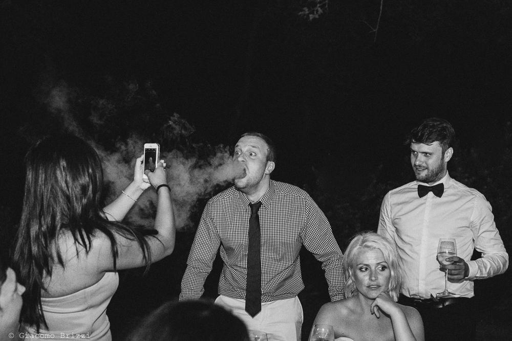 Un momento divertente, fotografo matrimonio ricevimento la ginestra, finale ligure