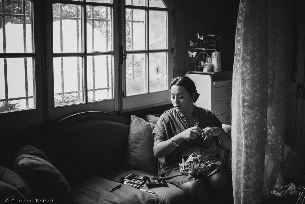La verifica degli ultimi particolari, fotografo matrimonio ricevimento la ginestra, finale ligure