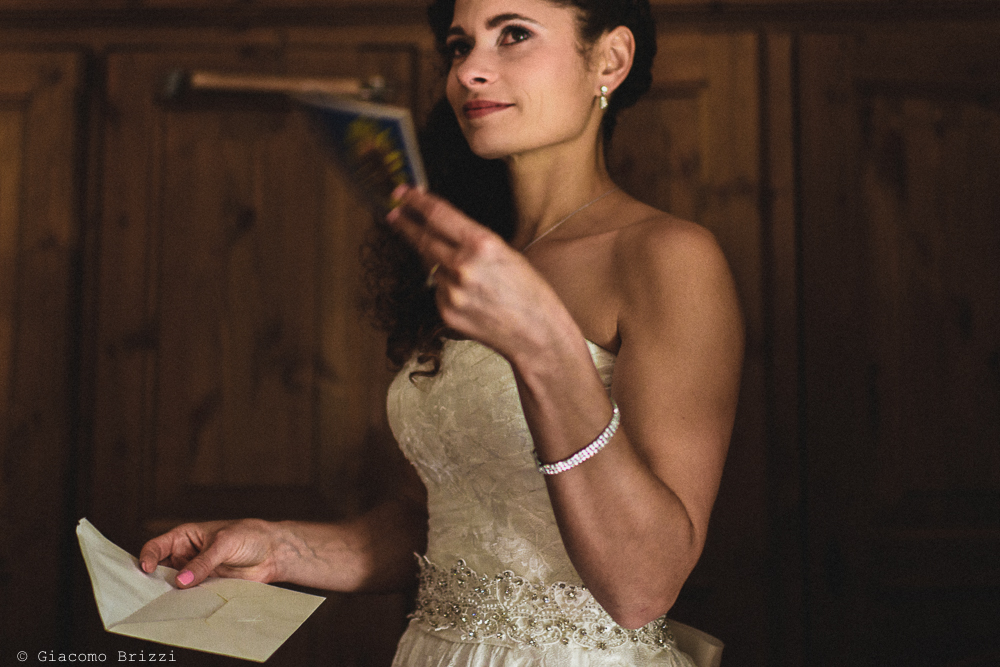 La sposa è pronta, fotografo matrimonio ricevimento ponte del vegnuti, ceserano