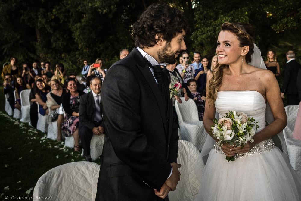 La sposa incontra il suo sposo, fotografo matrimonio ricevimento Villa Orlando, Versilia