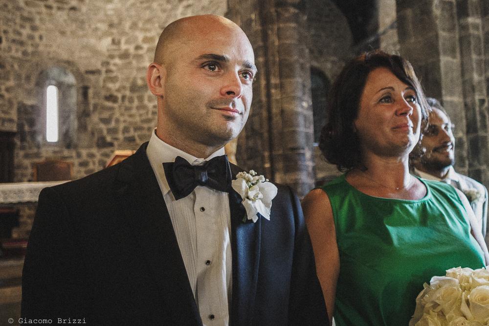 Primo piano sullo sposo, fotografo matrimonio Vernazza, Cinque Terre