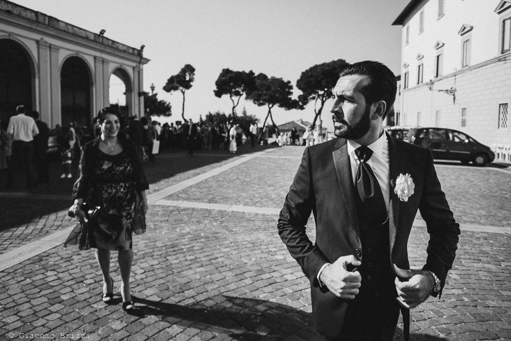 Lo sposo in attesa, fotografo ricevimento villa grabau, lucca