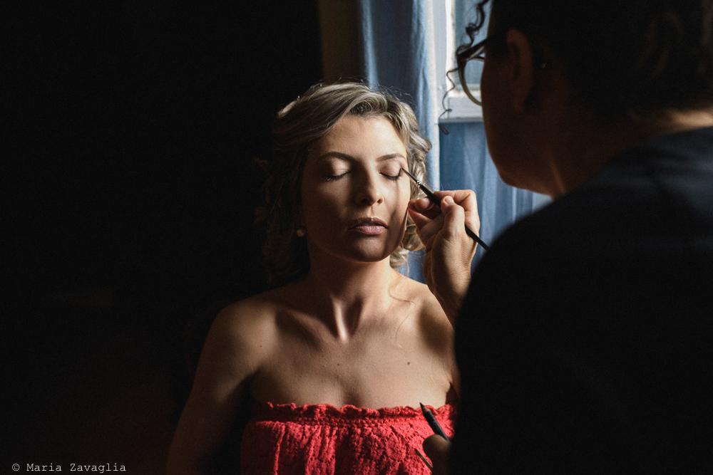 La sposa al trucco, matrimonio San Giuliano Terme, Pisa. Giacomo Brizzi Fotografo