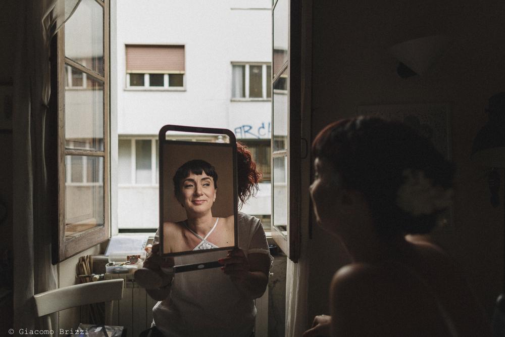 La sposa riflessa nello specchio, matrimonio Massa Carrara Toscana