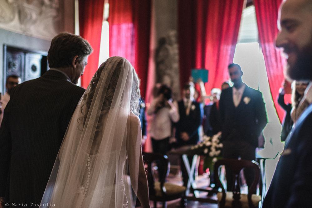 La sposa arriva alla cerimonia, matrimonio San Giuliano Terme, Pisa. Giacomo Brizzi Fotografo