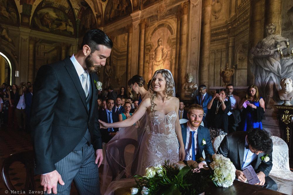 Gli sposi sono alla cerimonia, matrimonio San Giuliano Terme, Pisa. Giacomo Brizzi Fotografo