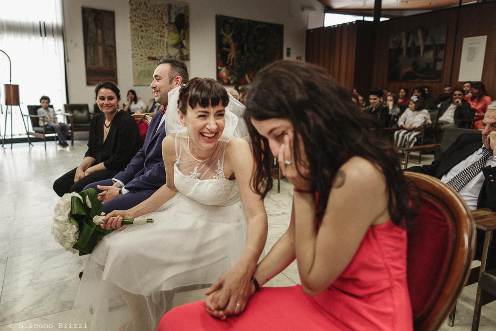 Sposa e testimone durante la cerimonia, matrimonio Massa Carrara Toscana