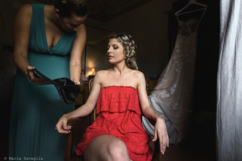 La sposa seduta, matrimonio San Giuliano Terme, Pisa. Giacomo Brizzi Fotografo