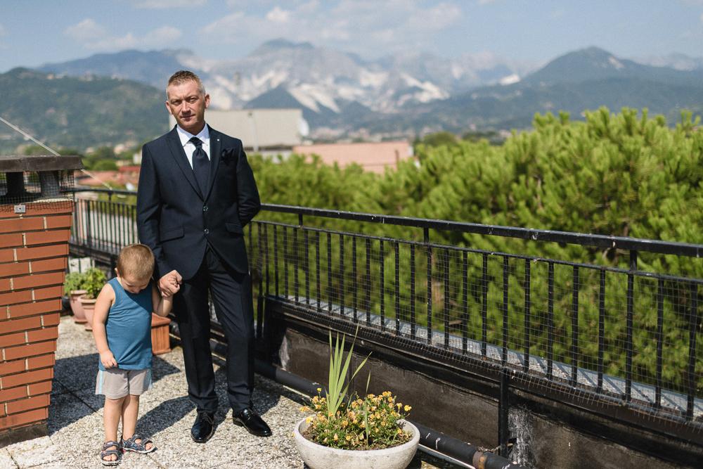 Fotografo Matrimonio Lunigiana, Bagnone (Toscana). Location: Il Baglio della Luna. Sposi: Fabio & Elisabetta. Lo sposo. Giacomo Brizzi Fotografo di Matrimonio in Toscana